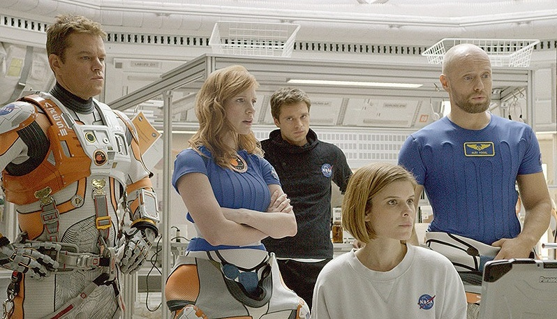 Matt-Damon-Jessica-Chastain-Sebastian-Stan-Aksel-Hennie-in-The-Martian