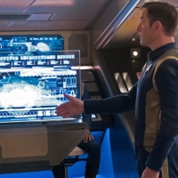 Harry Mudd Drags 'Star Trek: Discovery' the Closest It's Ever Been to Greatness, Yet I Still Don't Get That Gay Kiss